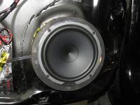 Установка акустики Hertz MPK 165.3 Pro в Mitsubishi Pajero Sport
