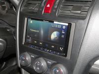 Фотография установки магнитолы Pioneer AVH-Z5000BT в Subaru Forester (SJ)