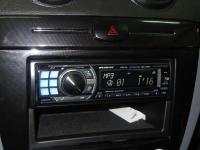 Фотография установки магнитолы Alpine CDA-105Ri в Chevrolet Lacetti