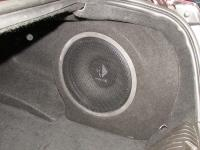 Установка сабвуфера Helix K 12W в Jaguar XF