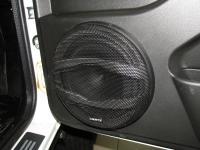 Установка акустики Hertz MPK 165.3 Pro в Lada Niva Urban