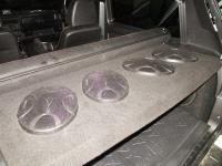 Установка акустики Hertz ECX 690.5 в Lada Niva Urban