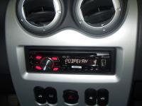 Фотография установки магнитолы Pioneer DEH-7300BT в Renault Logan