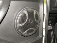 Установка акустики Hertz ECX 165.5 в Lada Niva