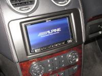 Фотография установки магнитолы Alpine INE-W997D в Mercedes GL (X164)