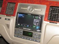Фотография установки магнитолы Pioneer AVH-X5800BT в Lincoln Town Car