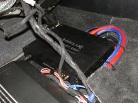 Установка усилителя Helix V EIGHT DSP в Toyota Sequoia