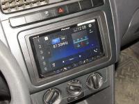 Фотография установки магнитолы Pioneer AVH-Z5100BT в Volkswagen Polo V