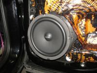 Установка акустики Focal Universal ISU200 в Volkswagen Touareg II NF