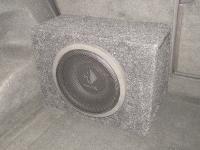 Установка сабвуфера Helix K 10W box в Volkswagen Touareg II NF
