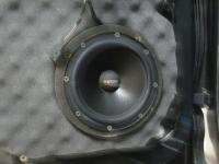 Установка акустики Eton POW 172.2 Compression в Volkswagen Touareg II NF