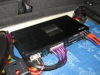 Установка усилителя Audio System M-90.4 в Volkswagen Touareg II NF