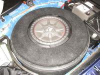 Установка сабвуфера Kicker 43CWRT121 в Volkswagen Touareg II NF