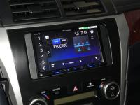 Фотография установки магнитолы Pioneer AVH-Z5100BT в Toyota Camry V50
