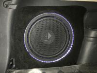 Установка сабвуфера Helix K 12W в Mitsubishi Outlander III