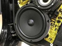 Установка акустики Focal Universal ISU200 в Chevrolet Corvette C5