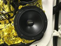 Установка акустики Eton POW 172.2 Compression в Mercedes CLA (C117, X117)