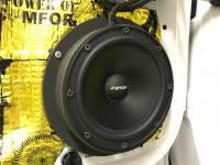 Установка акустики Eton POW 172.2 Compression в Audi Q3