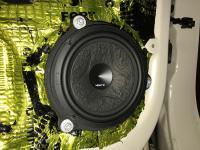 Установка акустики Hertz ESK 163L.5 в Renault Kaptur