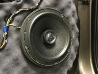Установка акустики Morel Maximo Coax 6 в KIA Sorento II (XM FL)