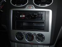 Фотография установки магнитолы Pioneer DEH-2200UB в Ford Focus 2