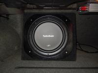 Установка сабвуфера Rockford Fosgate R1S412 box в BMW 5 (E34)