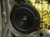 Установка акустики Eton POW 172.2 Compression в Volkswagen Tiguan II