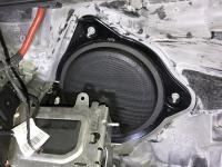 Установка акустики Eton POW 172.2 Compression в Mercedes C class (W205)