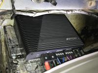Установка усилителя Eton Mini 150.4 в Ford Explorer