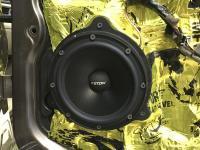 Установка акустики Eton POW 172.2 Compression в Volvo XC70 III