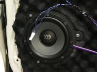 Установка акустики Morel Tempo Ultra 602 в Geely Atlas