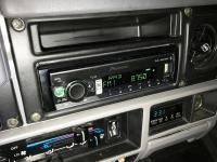 Фотография установки магнитолы Pioneer MVH-S520BT в Toyota Land Cruiser 72