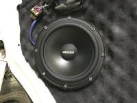 Установка акустики Eton POW 200.2 Compression в Volkswagen Transporter T6