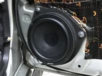 Установка акустики Hertz CK 165 L в Toyota Avensis