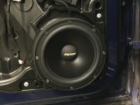 Установка акустики Eton POW 200.2 Compression в Volkswagen Tiguan