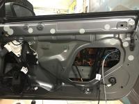 Установка Comfort Mat Dark D2 в Mercedes C class (W205)