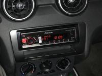 Фотография установки магнитолы Pioneer MVH-S520BT в Audi A1