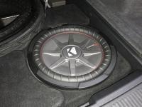 Установка сабвуфера Kicker 43CWRT121 в Audi Q7 II (4M)
