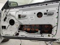 Установка Comfort Mat Dark D2 в Bentley Azure