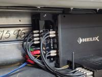 Установка усилителя Helix C FOUR в Bentley Azure