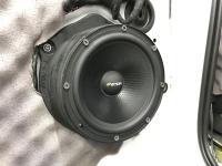 Установка акустики Eton POW 172.2 Compression в Audi Q7
