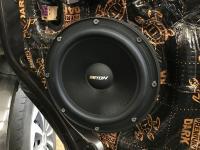 Установка акустики Eton POW 200.2 Compression в Volkswagen Caravelle T5