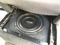 Установка сабвуфера Eton Move M10 Flat в Volkswagen Caravelle T5