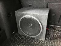 Установка сабвуфера Helix K 12W box в Skoda Octavia (A7)