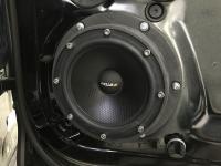 Установка акустики Eton POW 172.2 Compression в Volkswagen Touareg III