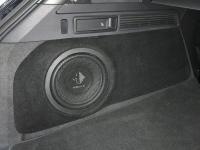 Установка сабвуфера Helix K 10W в Volkswagen Touareg III