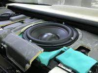 Установка сабвуфера Challenger Opus SD-250FA в Hyundai Equus
