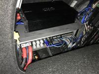 Установка усилителя ESX QE80.6DSP в Audi A4 (B9)