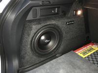 Установка сабвуфера Challenger Opus SD-250FA в Volkswagen Tiguan II