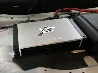 Установка усилителя ESX QE80.6DSP в Mercedes E class (W213)